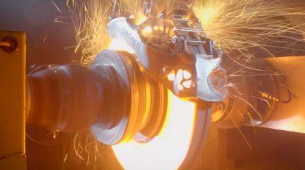 Video: Bugatti shows crazy testing of 3D-printed titanium brakes